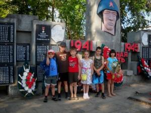 Экскурсия по селу. Памятник участникам Великой Отечественной войны.
